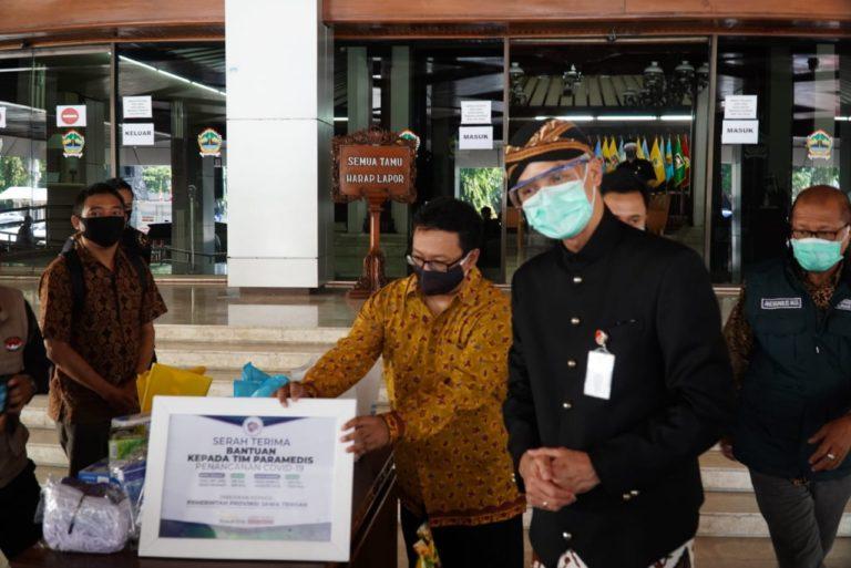 Gubernur Ganjar: Bantuan Sampoerna-Yayasan Rumah Kita Tepat Lindungi Tenaga Medis dari OTG