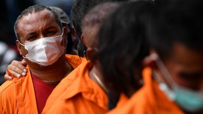 Anak Buah John Kei Serahkan Diri ke Polres Depok