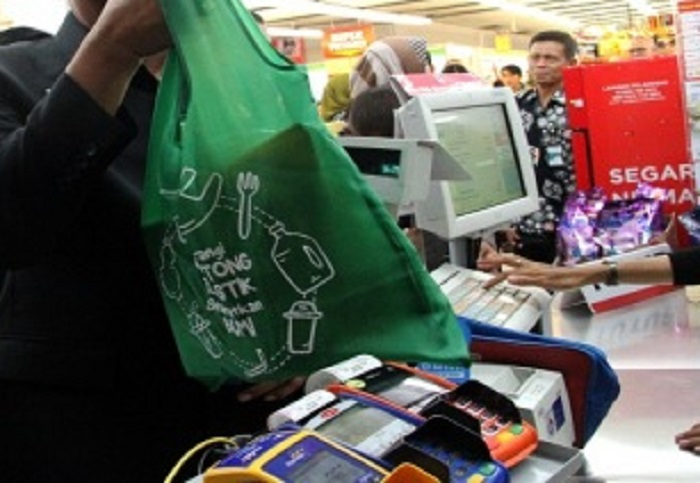 Sampah Plastik Meningkat di Jakarta, Ini Instruksi Anies ke Pengelola Toko