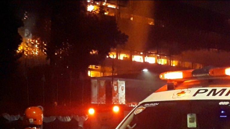 Gedung Kejagung RI Terbakar, Lima Unit Damkar Dikerahkan