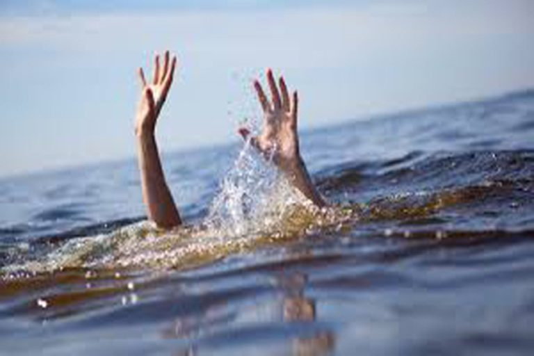 Astaga! Remaja Berusia 14 Tahun Ditemukan Ngambang di Kali Ciliwung