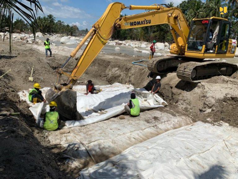 Kementerian PUPR Bangun Tanggul Sementara Cegah Banjir Bandang di Luwu Utara
