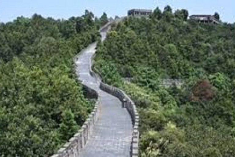 Warganet China Berdebat Sengit Soal 'Tembok Besar Palsu'