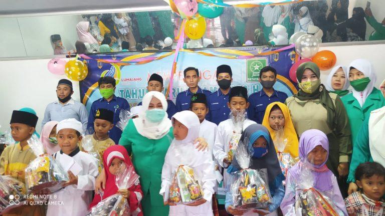 Peringati Tahun Baru Islam, Lumajang Idea-Fatayat NU Gelar Doa Bersama dan Santunan Anak Yatim