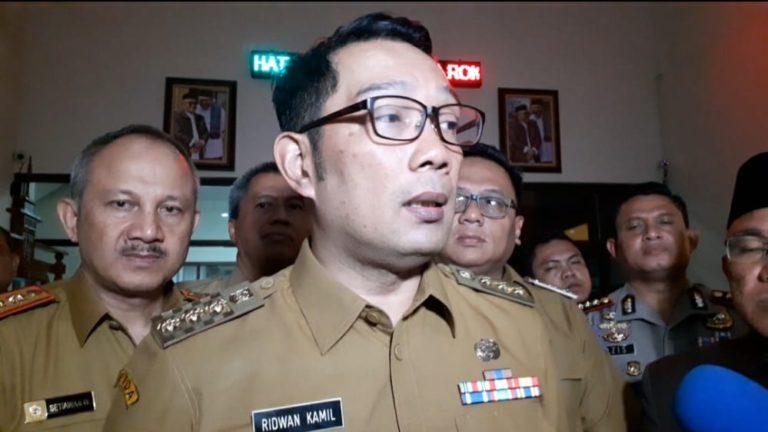 Soal Kerumunan Rizieq, Kang Emil: Kenapa Peristiwa di Bandara Tak Diperiksa?