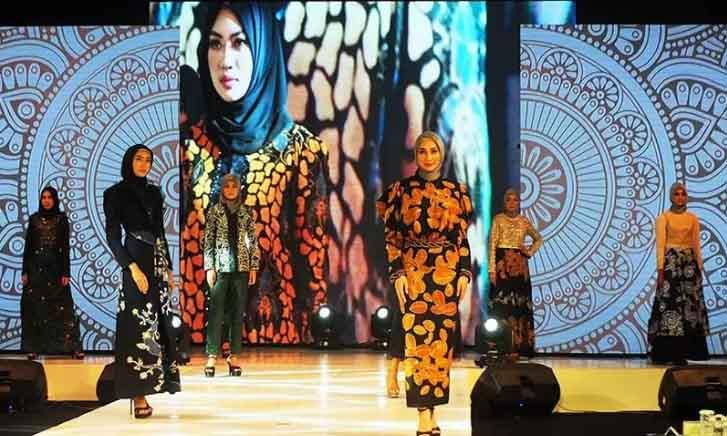 Bangkitkan UMKM, BI Jember Gelar Peragaan Busana Batik