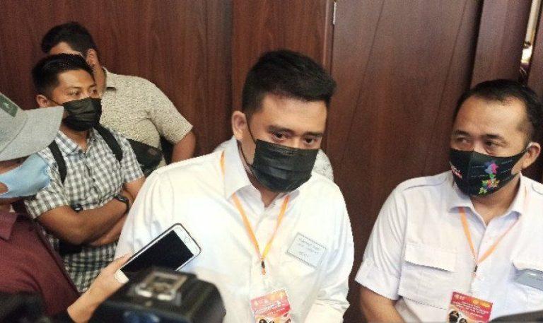 Menantu Jokowi Sukseskan Vaksinasi Massal di Medan