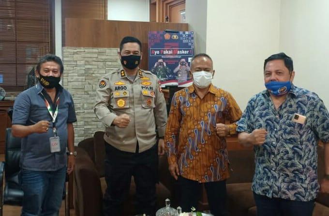Kadiv Humas: Polri Wajib Lindungi Wartawan yang Meliput Demo