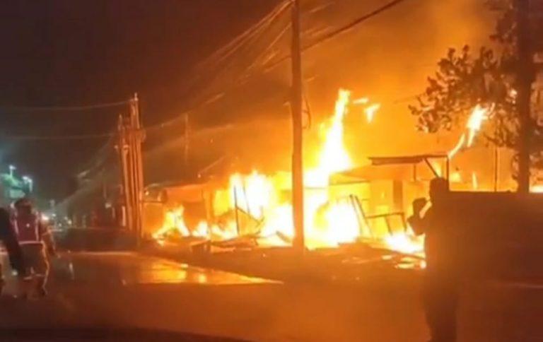 Toko Kusen di Sukmajaya Depok Terbakar, Warga Sekitar Panik Berhamburan!