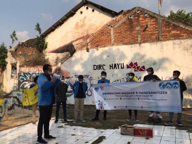 Sambut Bulan Pemuda 2020, PMII Ciputat Bagi-bagi Masker dan Handsanitizer
