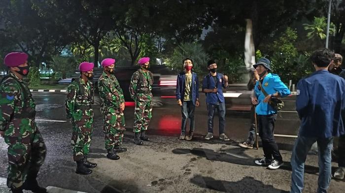 Dikawal Marinir, Aksi Demo Omnibus Law Berjalan Tertib