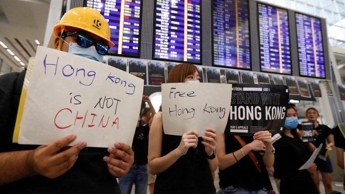 Ajarkan Kemerdekaan, Seorang Guru di Hong Kong Dipecat