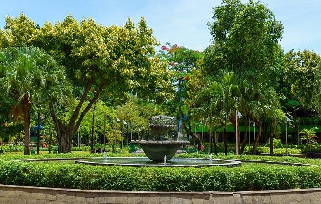 Ditengah PSBB Transisi, Anies Bakal Buka 16 Taman Kota