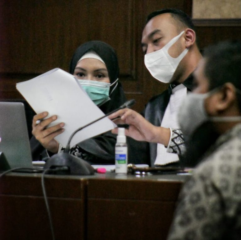 Hakim Tegur Saksi di Sidang Kasus Pinangki