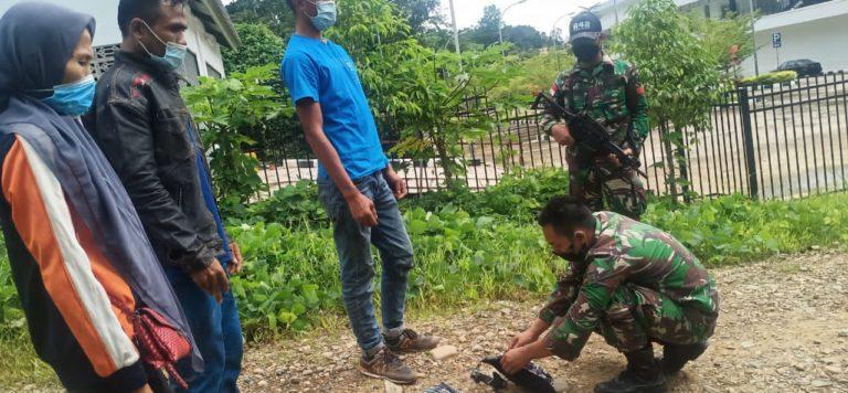 TNI Amankan Tiga Orang Pelintas Batas Ilegal di Perbatasan RI-Malaysia