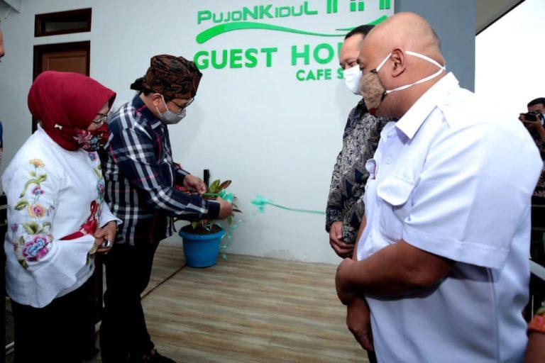 Gus Menteri Resmikan Guest House di Desa Wisata Pujon Kidul