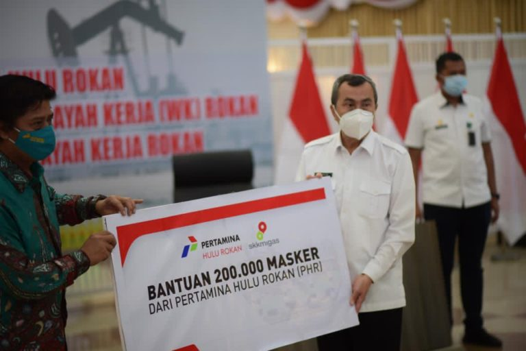 Bertemu Gubernur Riau, Direktur Pertamina Hulu Rokan Beri Bantuan 200 Ribu Masker