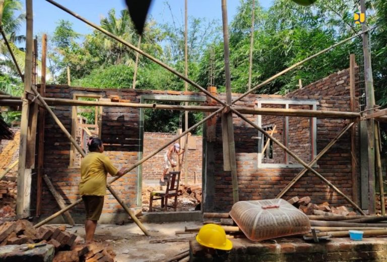 Program Padat Karya Bedah Rumah PUPR Capai 93,46% dan Serap 287.006 Tenaga Kerja