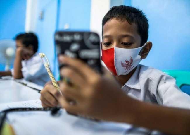 Kemendikbud Salurkan Sekaligus Bantuan Kuota Internet November dan Desember 2020
