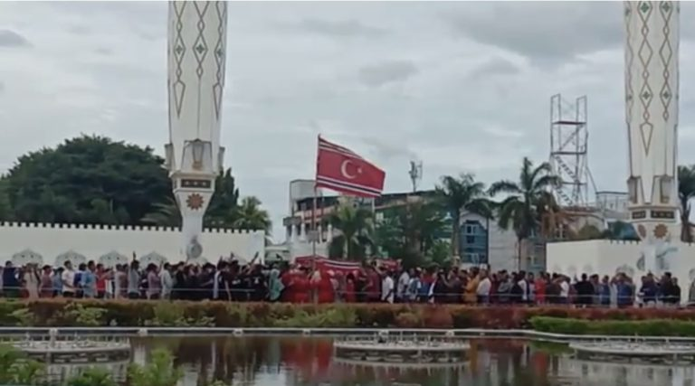 Milad ke-44 GAM, Bendera Bulan Bintang Berkibar di Masjid Baiturrahman Aceh