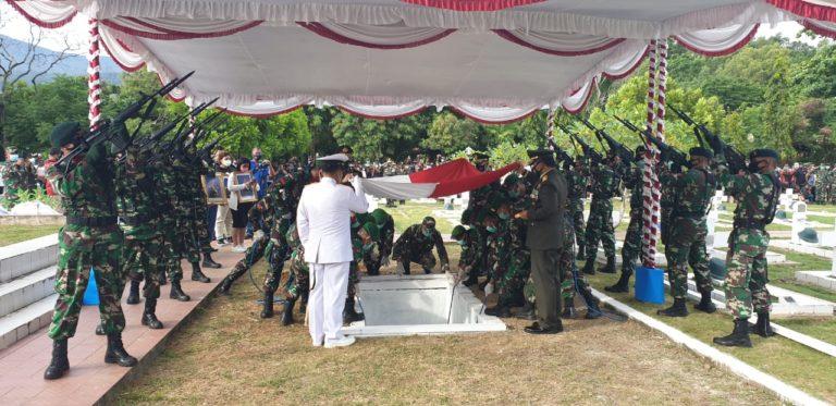Koorsahli Kasad Pimpin Upacara Pemakaman Wakasad
