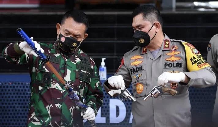 Soal Senpi Anggota FPI, Polisi: Cuma Mereka yang Tewas Itu yang Tahu