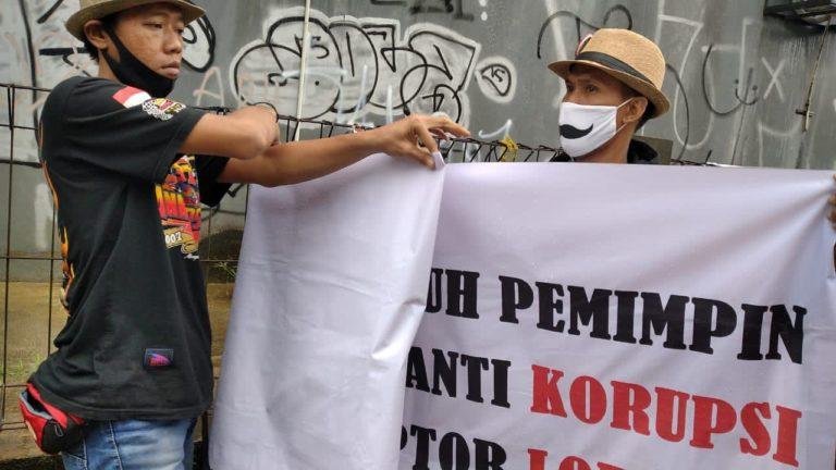 Diserang Spanduk Fitnah, Timses Muhamad-Saraswati Singgung Korupsi Alkes Tangsel
