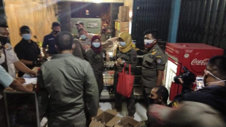 Razia Jelang Natal dan Tahun Baru, Satpol PP Depok Sita 874 Botol Miras