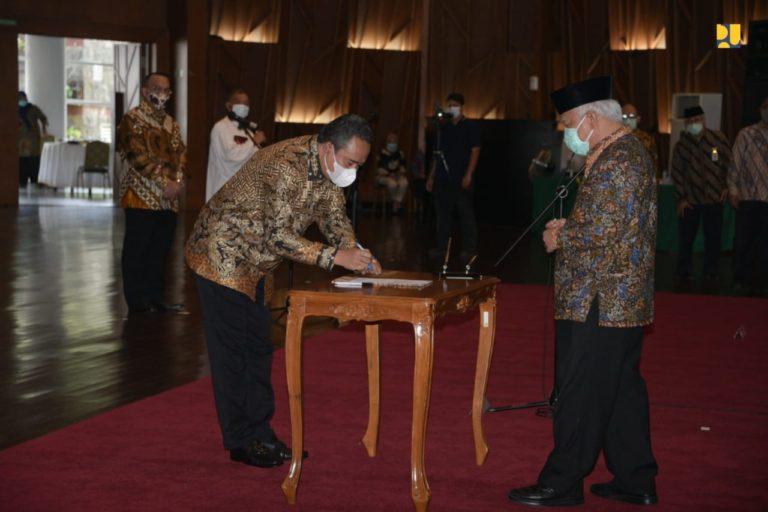 Menteri Basuki Lantik Pengurus LPJKN Periode 2021-2024
