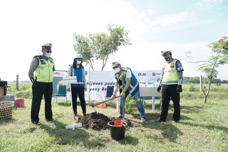 Peringati Hari Bakti PU Ke-75, Jasa Marga Komitmen Tanam 22.000 Pohon