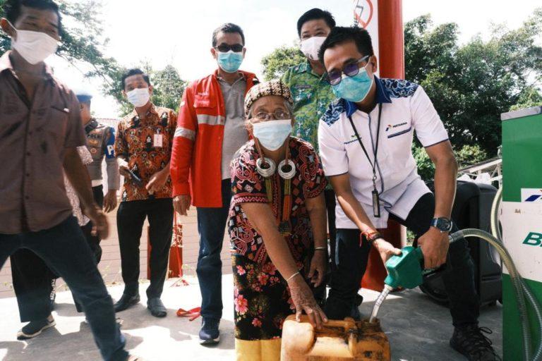 Kado HUT ke-63, Pertamina Tuntaskan Target BBM Satu Harga di 243 Titik