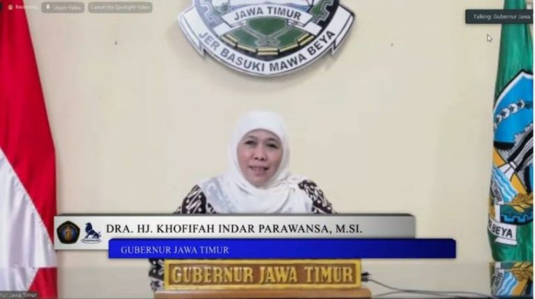 Khofifah Apresiasi PT Charoen Pokpand, Hibahkan Teaching Farm Closed House dan ETC ke Universitas Brawijaya