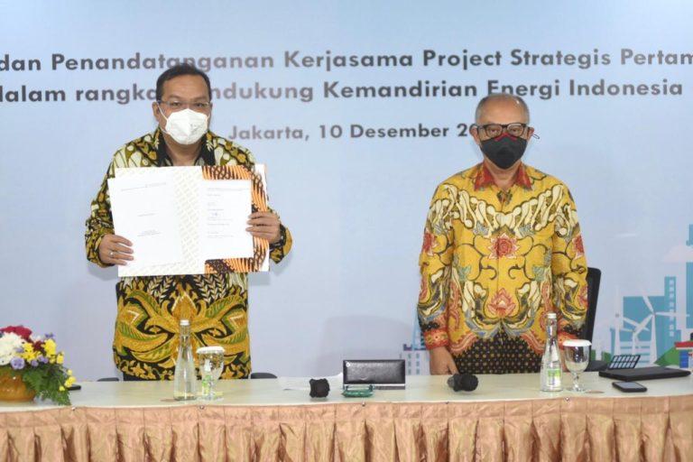 Kado HUT ke-63 Tahun, Peresmian Kilang Langit Biru Cilacap dan Kerjasama Proyek Strategis