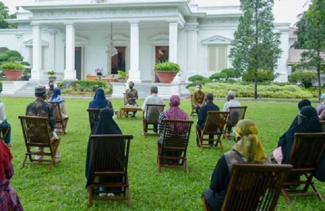 Beri Pelaku UMKM Suntikan Modal, Jokowi: Harus Tahan Banting!