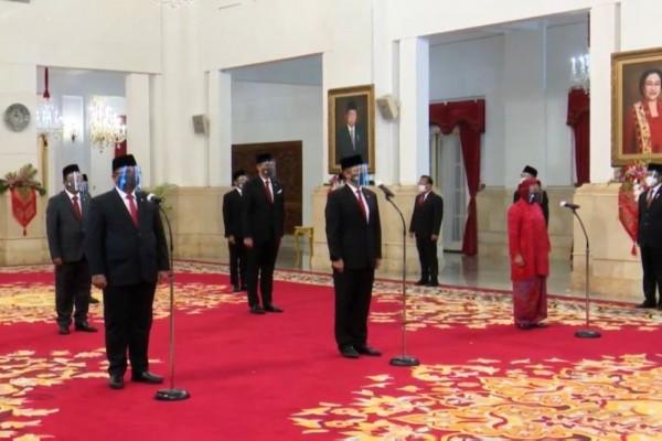 Sah! Jokowi Lantik Enam Menteri dan Lima Wamen Hasil Reshuffle