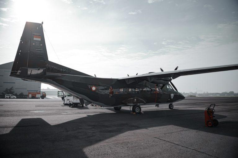 PTDI Serahkan Satu Pesawat NC212i kepada TNI AU