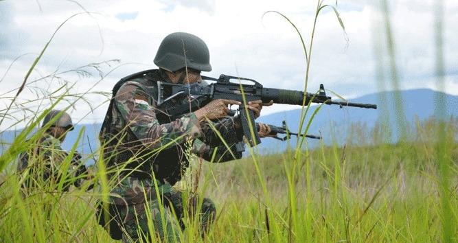 Kontak Tembak dengan KKSB, Satu Prajurit TNI Kembali Gugur