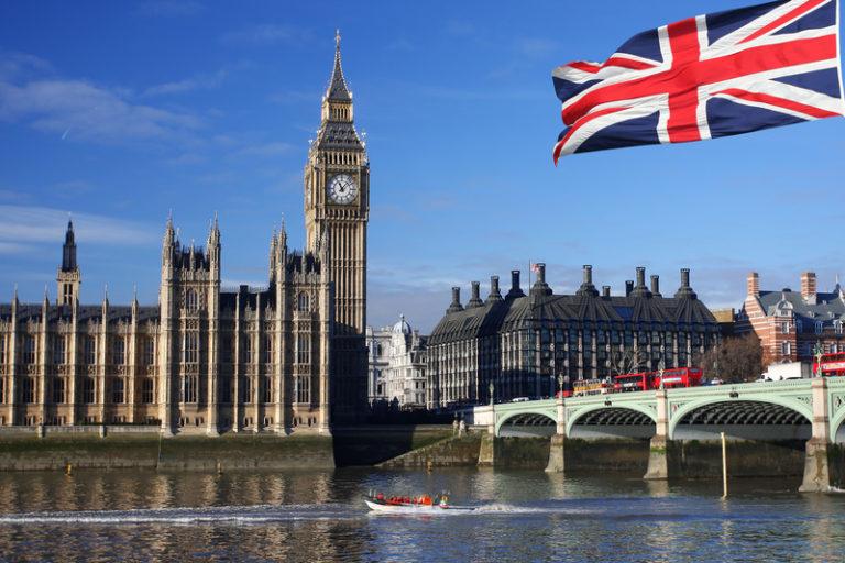 Inggris Perpanjang Kewenangan Lockdown Hingga 17 Juli 2021
