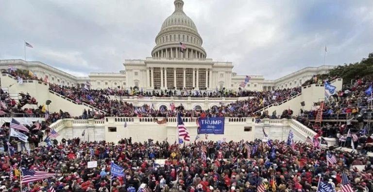 Dua Pejabat Gedung Putih Mundur Usai Kerusuhan di Gedung Capitol AS