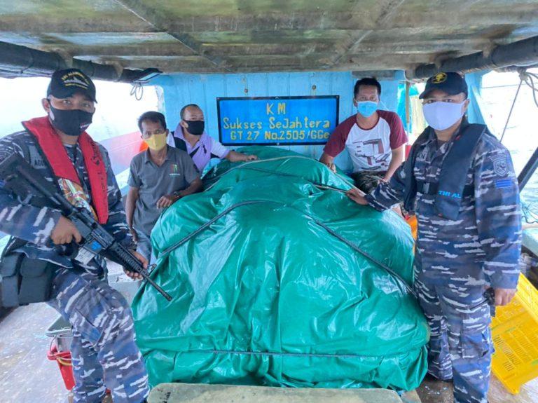 TNI AL Gagalkan Pengangkutan BBM Ilegal di Selat Singapura