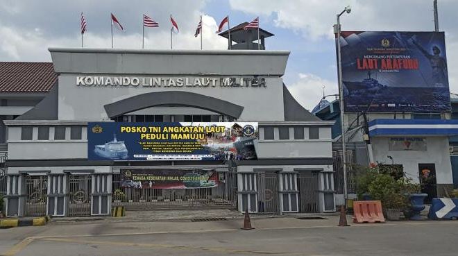 TNI AL Buka Posko Penyaluran Bantuan Bencana Kalsel dan Sulbar
