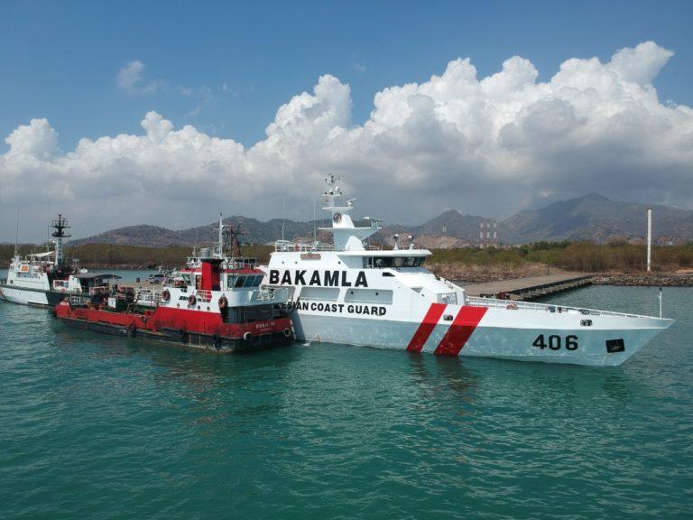 Bakamla Halau Kapal Pengawas Perikanan Vietnam di Laut Natuna