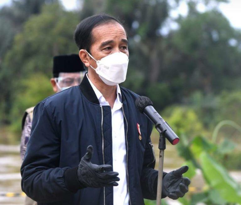 Jokowi Perintahkan Menteri PUPR Perbaiki Jembatan Runtuh di Kalsel