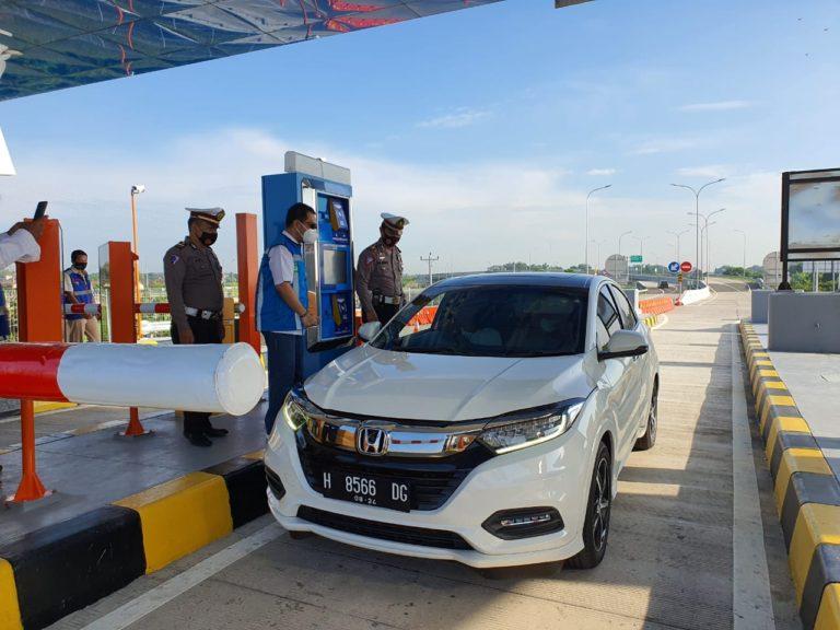 Libur Nataru, Lebih dari 7.000 Kendaraan Lewati GT Bandara Adi Soemarmo