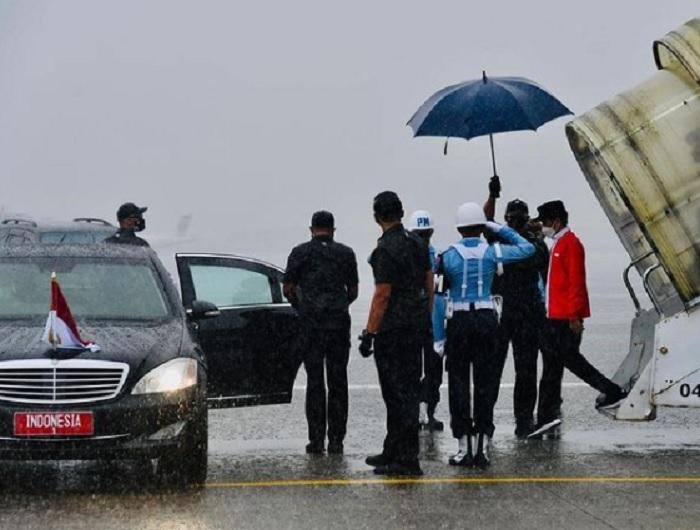 Hujan Lebat Sambut Agenda Kunjungan Kerja Jokowi di Palembang