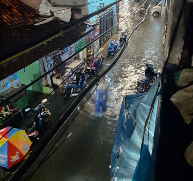 Banjir kembali Kepung DKI Jakarta Sejak Dini Hari