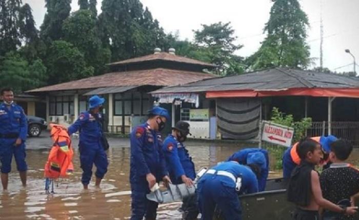 BPBD DKI Gandeng Sejumlah Pihak Atasi Banjir di Cipinang Melayu