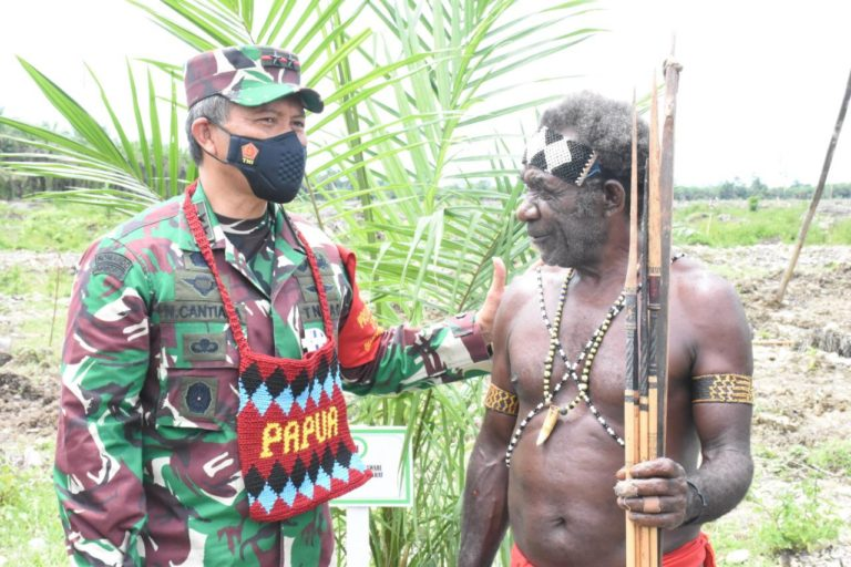 Pendapatan Petani Papua Barat Lampaui Gaji Pangdam Kasuari?