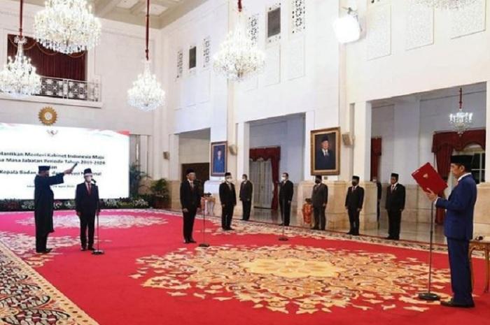 Jokowi Lantik Menteri Investasi, Mendikbudristek, dan Kepala BRIN