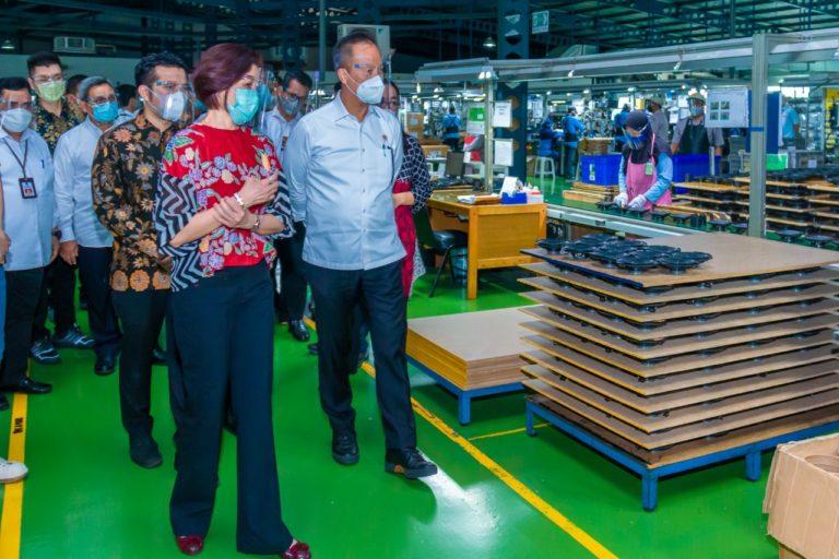 Menperin Apresiasi Perusahaan Elektronik di Surabaya, Pasok Speaker Mobil Mewah